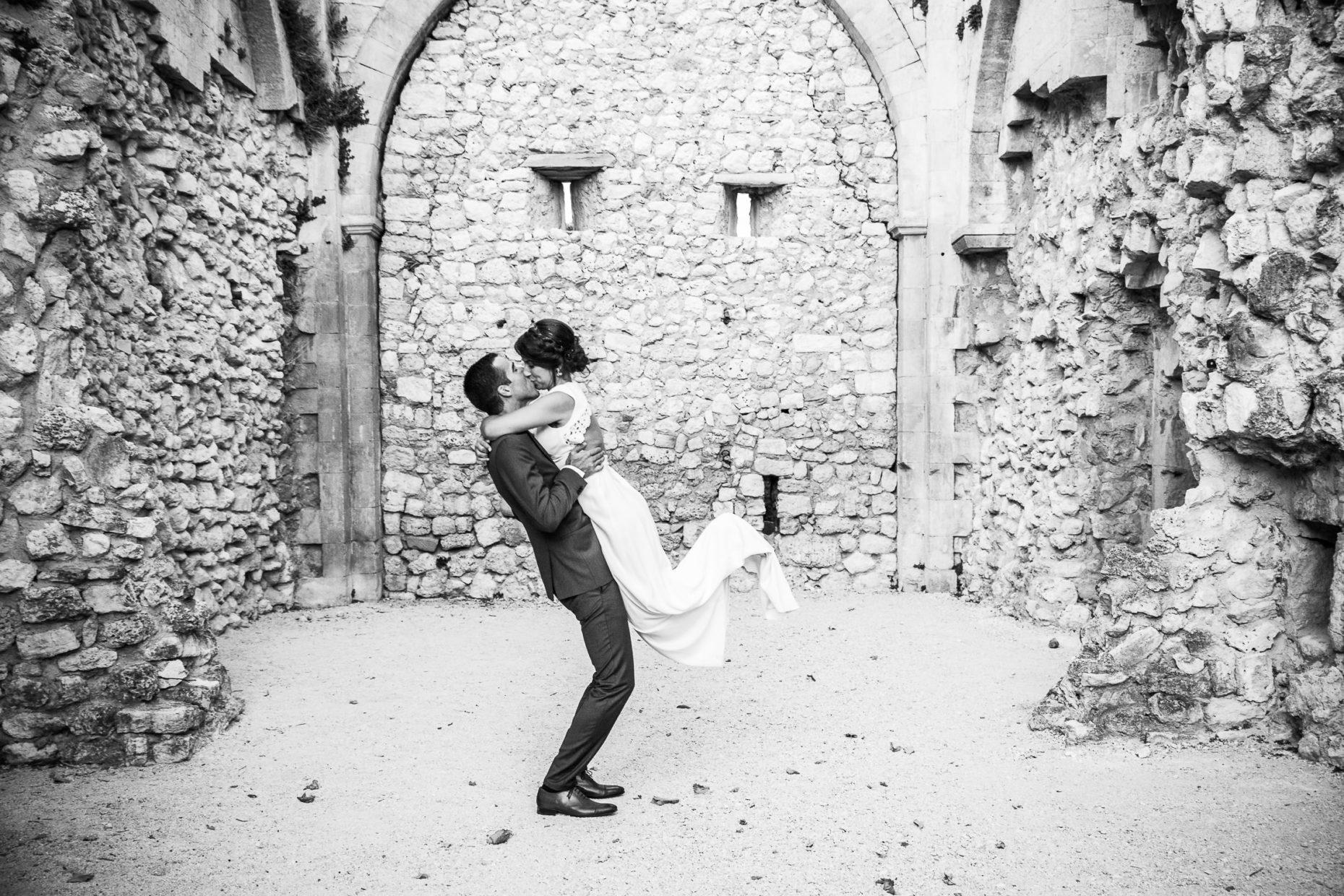 Couple de mariés au domaine de sarson